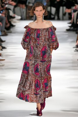 PARIS, FRANCE - OCTOBER 02: A model walks the runway during the Stella McCartney Ready to Wear Spring/Summer 2018 fashion show as part of the Paris Fashion Week Womenswear Spring/Summer 2018 on October 2, 2017 in Paris, France. (Photo by Victor VIRGILE/Gamma-Rapho via Getty Images)